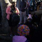 نخستین گروه پناهجویان در مکزیک وارد آمریکا شدند